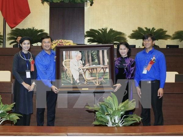 Honran en Vietnam a jovenes ejemplares en seguimiento del ejemplo de Ho Chi Minh hinh anh 1