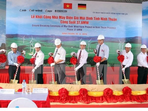 Inician construccion de planta eolica en provincia de Vietnam hinh anh 1