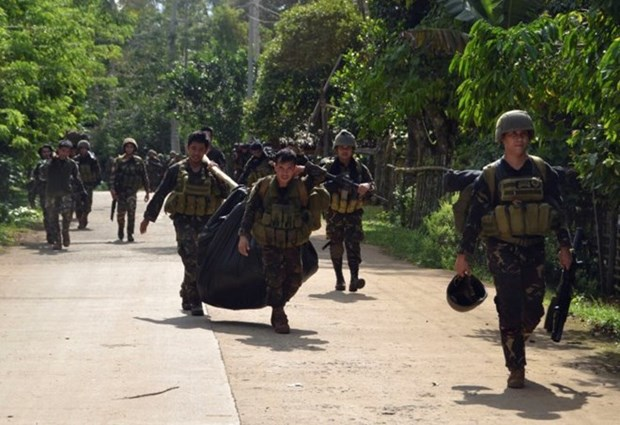 Ejercito de Filipinas intensifica operaciones contra Abu Sayyaf hinh anh 1