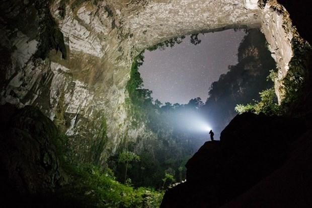 Aumenta numero de turistas a la mayor cueva del mundo en Vietnam hinh anh 1