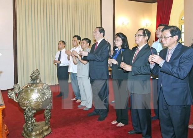 Homenajean al Presidente Ho Chi Minh por Dia Nacional hinh anh 1