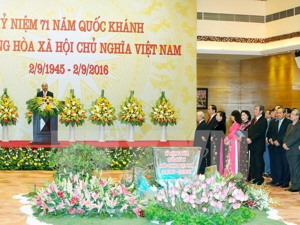 Primer ministro de Vietnam ofrece banquete en ocasion del Dia Nacional hinh anh 1