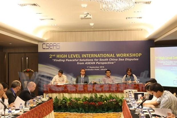 Expertos asiaticos analizan soluciones a disputa territorial en Mar del Este hinh anh 1