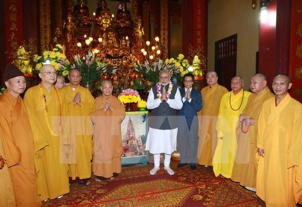 Premier indio se reune con budistas vietnamitas hinh anh 1
