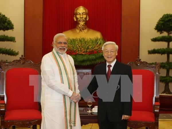 Maximo dirigente partidista de Vietnam recibe al premier indio hinh anh 1