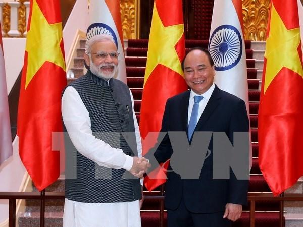Vietnam e India pactan elevar relaciones a asociacion estrategica integral hinh anh 1