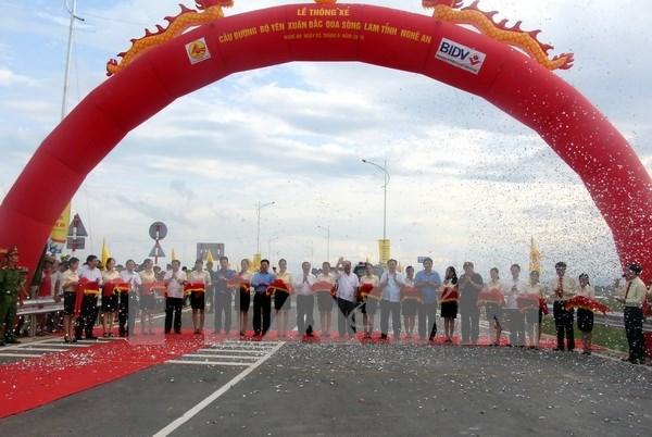 Viceprimer ministro asiste a inauguracion de obras clave en Nghe An hinh anh 1