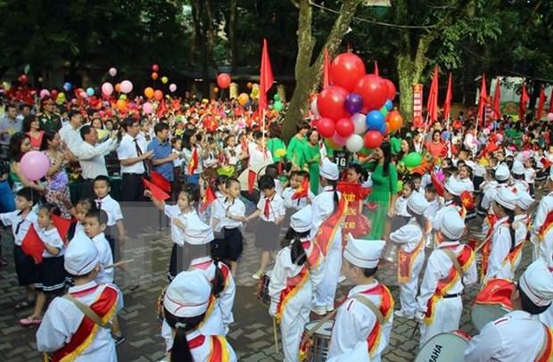 Inauguran nuevo ano escolar en Vietnam hinh anh 1