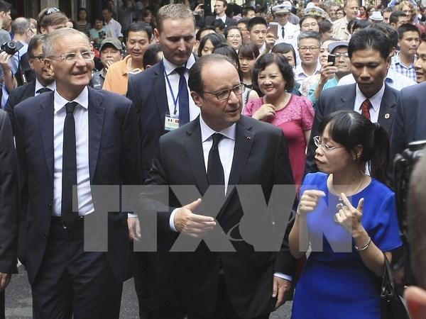 Visita de Hollande a Vietnam acapara prensa francesa hinh anh 1