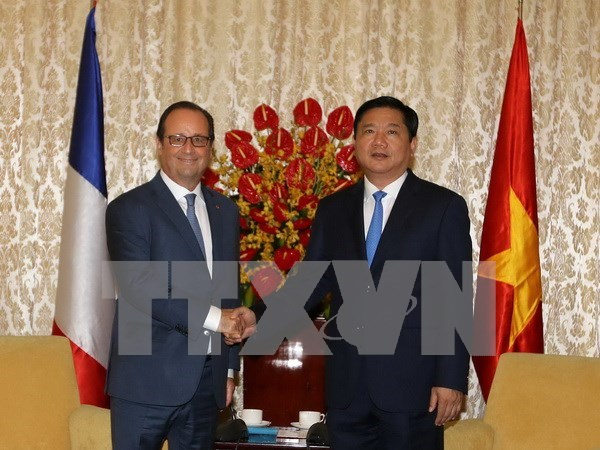 Presidente Francois Hollande visita Ciudad Ho Chi Minh hinh anh 1