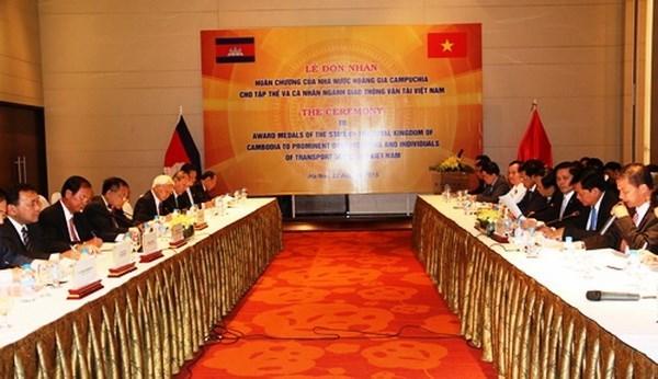 Vietnam y Camboya cooperan en sector de correos y telecomunicaciones hinh anh 1