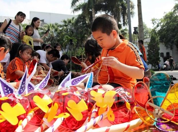 Presidente de Vietnam felicita a ninos por la Fiesta del Medio Otono hinh anh 1