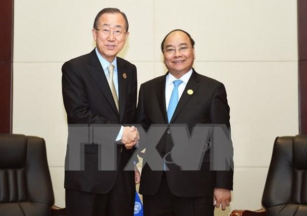 Premier vietnamita destaca relaciones especiales con Laos hinh anh 1