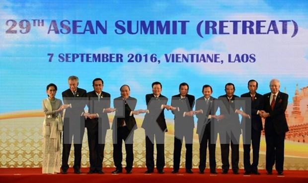 Concluyen Cumbres 28 y 29 de ASEAN y citas anexas hinh anh 1