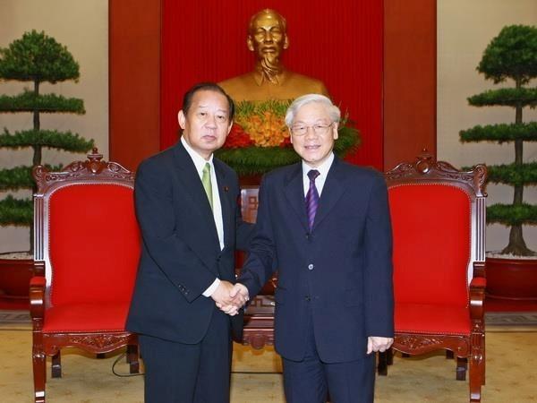 Fortalecen nexos entre partidos gobernantes de Vietnam y Japon hinh anh 1