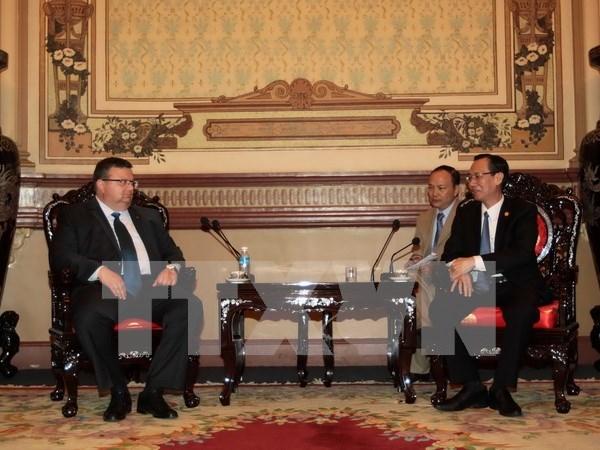 Visita Ciudad Ho Chi Minh fiscal general de Bulgaria hinh anh 1