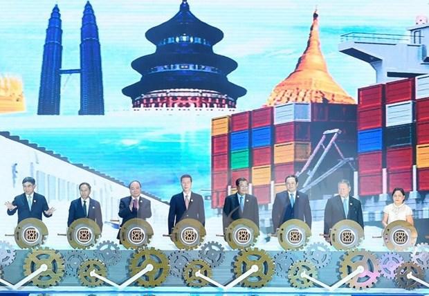 Premier de Vietnam expresa su apoyo a la cooperacion entre China y ASEAN hinh anh 1