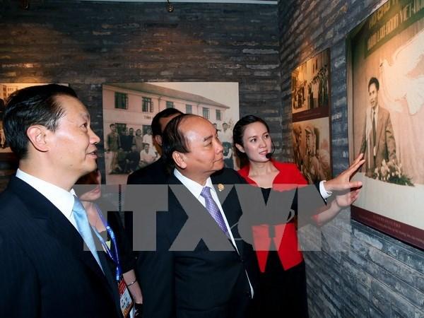 Premier de Vietnam visita antiguo internado de revolucionarios coterraneos en China hinh anh 1