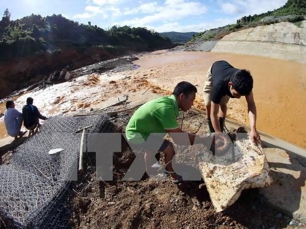 Premier urge a superar secuelas del accidente en hidrocentral hinh anh 1