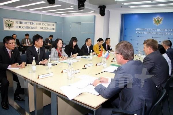 Vietnam busca reforzar las relaciones con Rusia hinh anh 1