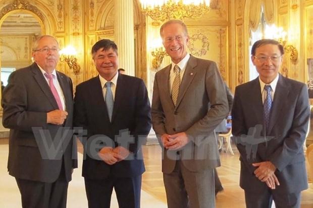 Promueven cooperacion efectiva entre Vietnam y localidades alemanas hinh anh 1