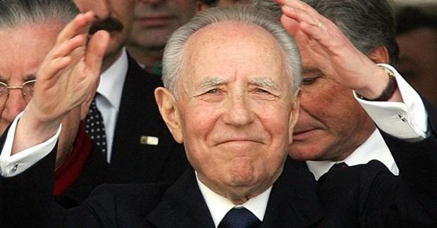 Vietnam envia condolencias a Italia por fallecimiento de Azeglio Ciampi hinh anh 1