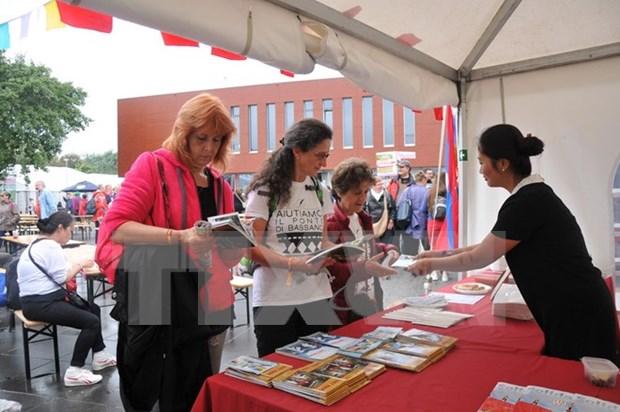 Participa Vietnam en evento de solidaridad Manifiesta en Belgica hinh anh 1