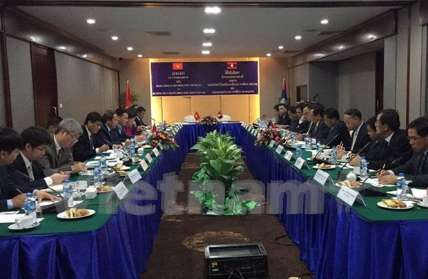 Vietnam y Laos cooperan en sector informativo hinh anh 1