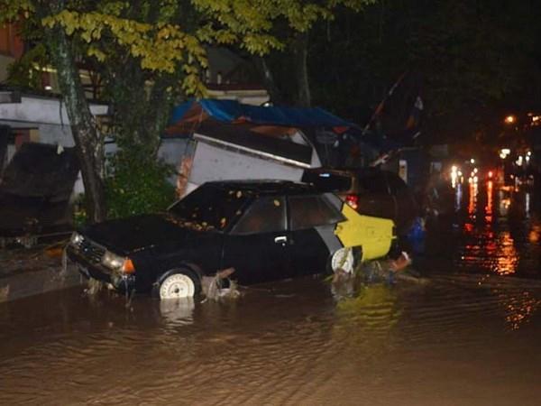 Eleva a 23 numero de muertos por inundaciones en Indonesia hinh anh 1
