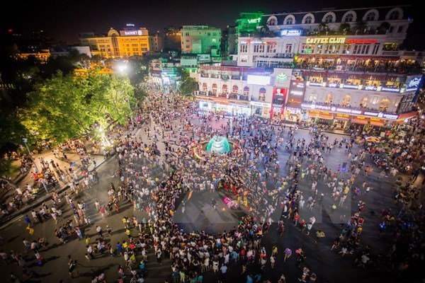 Promueven en Francia atractivos turisticos de Hanoi hinh anh 1