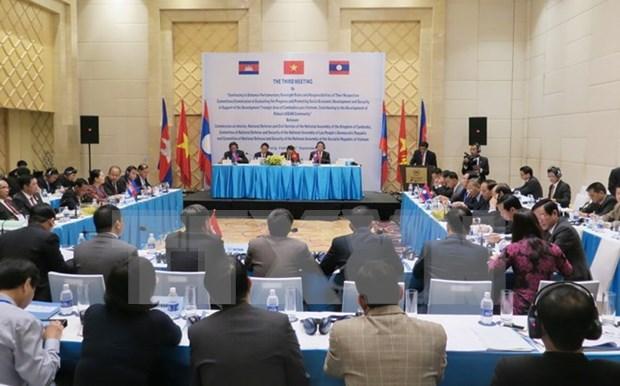Promueven triangulo del desarrollo entre Vietnam, Laos y Camboya hinh anh 1