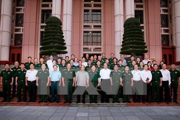 Premier de Vietnam aboga por impulsar industria de defensa hinh anh 1