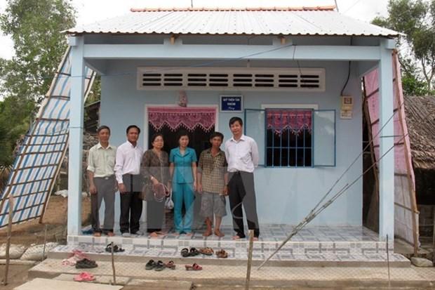 Construyen viviendas para familias pobres en Vietnam hinh anh 1