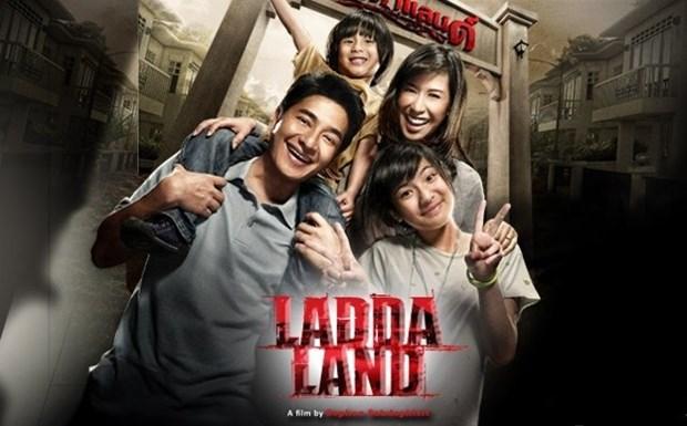 Espectadores vietnamitas disfrutan del cine tailandes hinh anh 1
