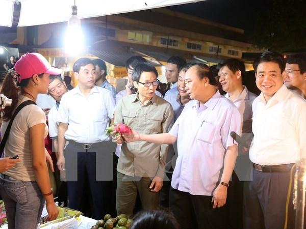Premier exige mas esfuerzos para asegurar inocuidad de alimentos en Hanoi hinh anh 1