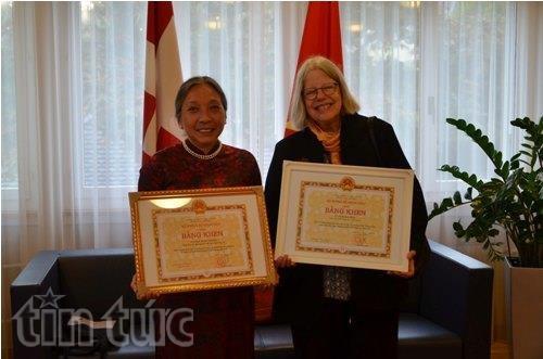 Honran a activistas con contribuciones al fomento de lazos Suiza – Vietnam hinh anh 1
