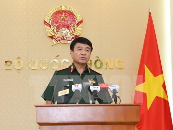 Delegacion militar de Camboya visita Vietnam hinh anh 1