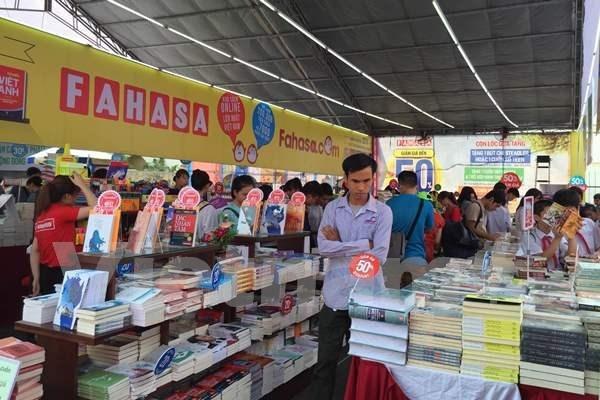Inauguran Festival de Libros de Hanoi 2016 hinh anh 1