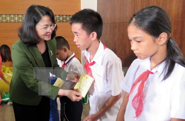 Provincia de Phu Tho honra a talentos destacados hinh anh 1