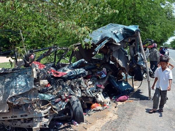Accidente de camion deja 54 obreros heridos en Camboya hinh anh 1
