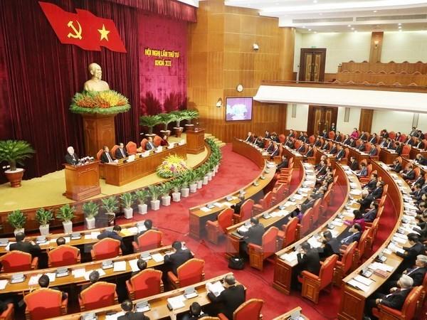 Partido Comunista de Vietnam aborda politicas para renovar el modelo de crecimiento hinh anh 1