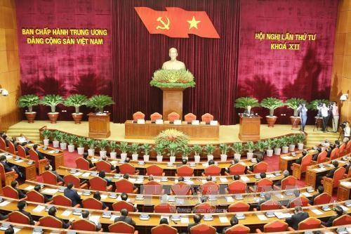 Clausuran cuarto pleno de Comite Central de Partido Comunista de Vietnam hinh anh 1