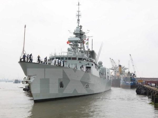 Buque naval de Canada arriba Ciudad Ho Chi Minh hinh anh 1