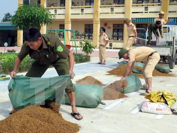 Premier de Vietnam urge donacion para pobladores afectados por inundaciones hinh anh 1