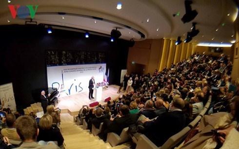 Vietnam participa en XVIII Congreso Mundial de Prensa en Ruso hinh anh 1