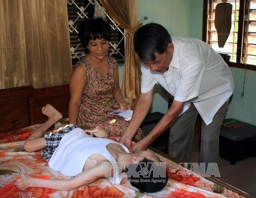 Unen manos por victimas de Agente Naranja /Dioxina hinh anh 1