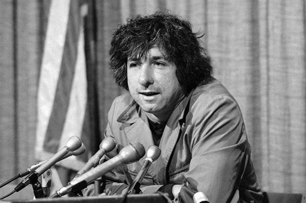 Adios a Tom Hayden, famoso activista contra la guerra de Vietnam hinh anh 1