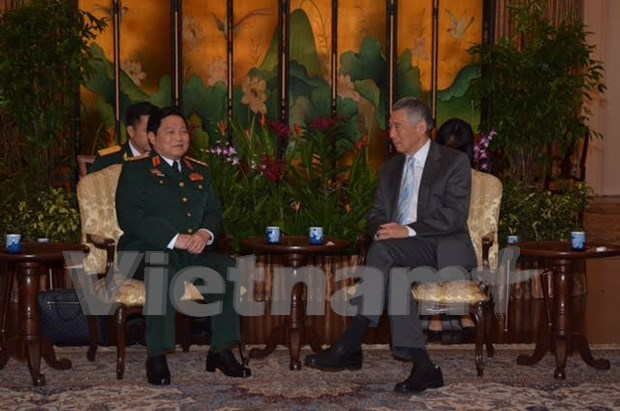 Fortalecen cooperacion Vietnam – Singapur en defensa hinh anh 2