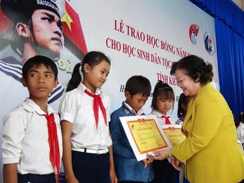 Gestos patrioticos de residentes vietnamitas en Australia hinh anh 1