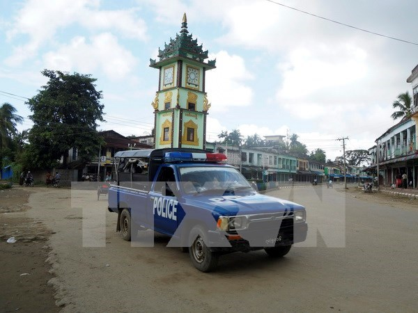 Myanmar arresta a ocho asaltantes a puntos de control fronterizo hinh anh 1
